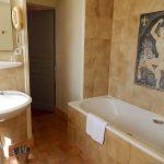 Château Standard - Salle de bains avec mosaïque - Chateau de Chissay - Hotels Particuliers K.P.