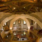 Suite Donjon Vue sur la charpente - la salle de bains - la chambre - Chateau de Chissay - Hotels Particuliers P. Savry