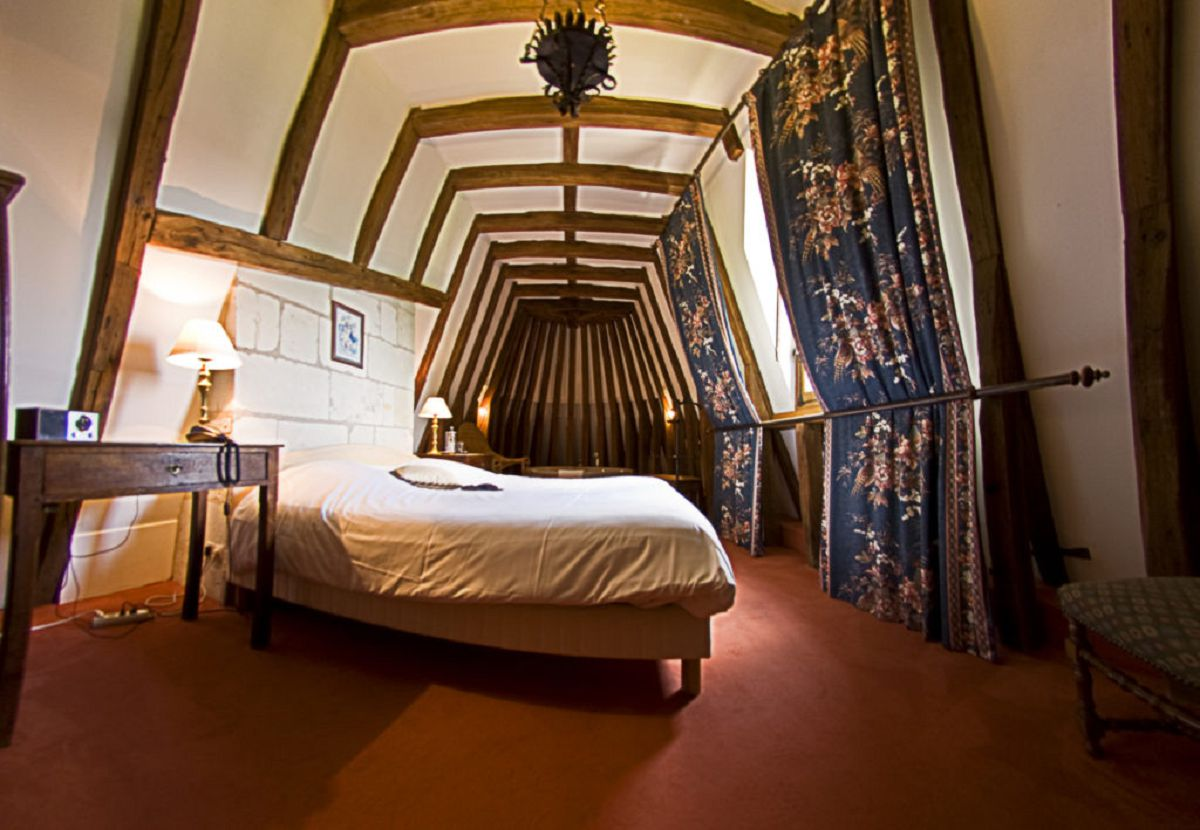 Suite Jacuzzi - Chateau de Chissay - Hotels Particuliers P. Savry