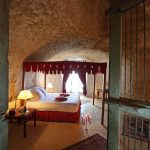 Suite Troglodyte - Chateau de Chissay - Hotels Particuliers P. Savry